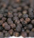Grains-gros-plan-poivre-noir-de-kampot